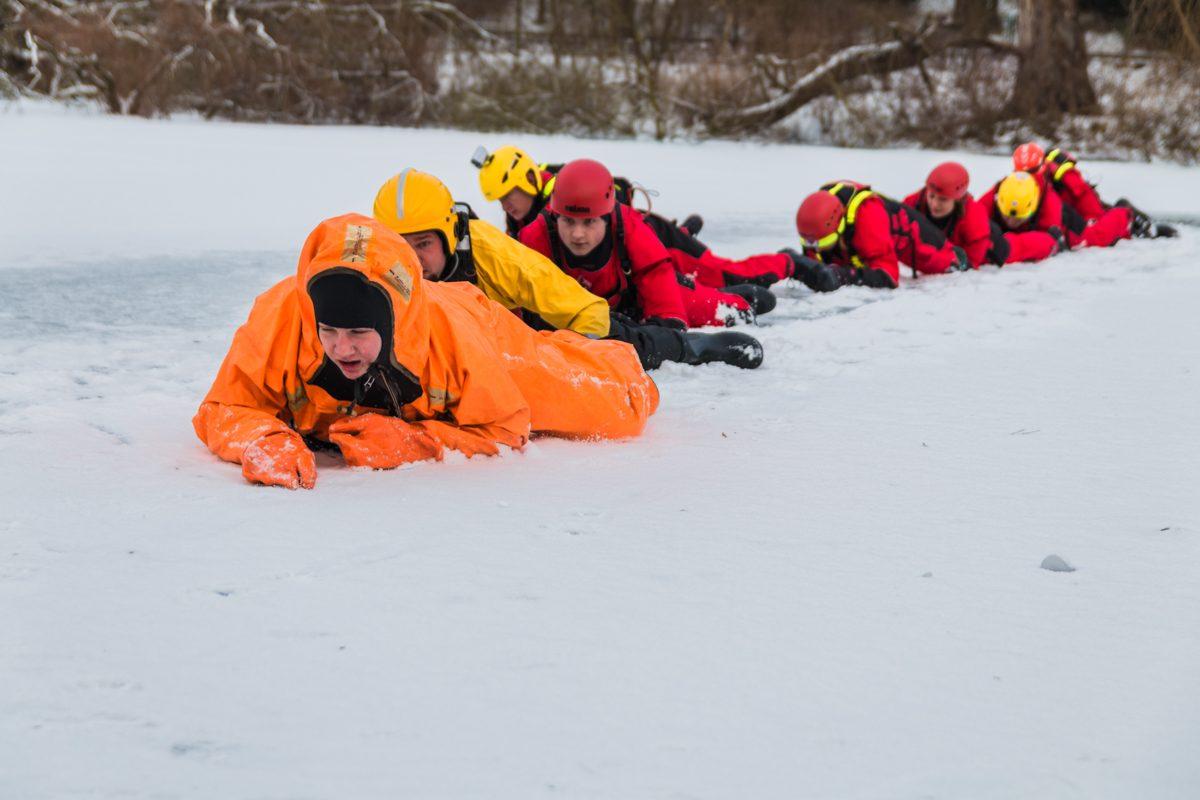 Pokazy ratownictwa lodowego dla uczniów szczecińskich szkół